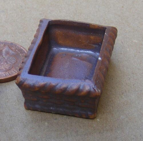 1:12 Scale Small Terracotta Planter Tumdee Dolls House Flower Garden Ceramic