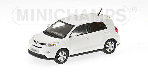 Scale model  Toyota Urban Cruiser bianca 2009
