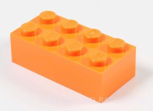 LEGO Mattoni 50 x ARANCIO 2x4 PIN-Set da Nuovo di Zecca inviati in un sacchetto trasparente sigillati