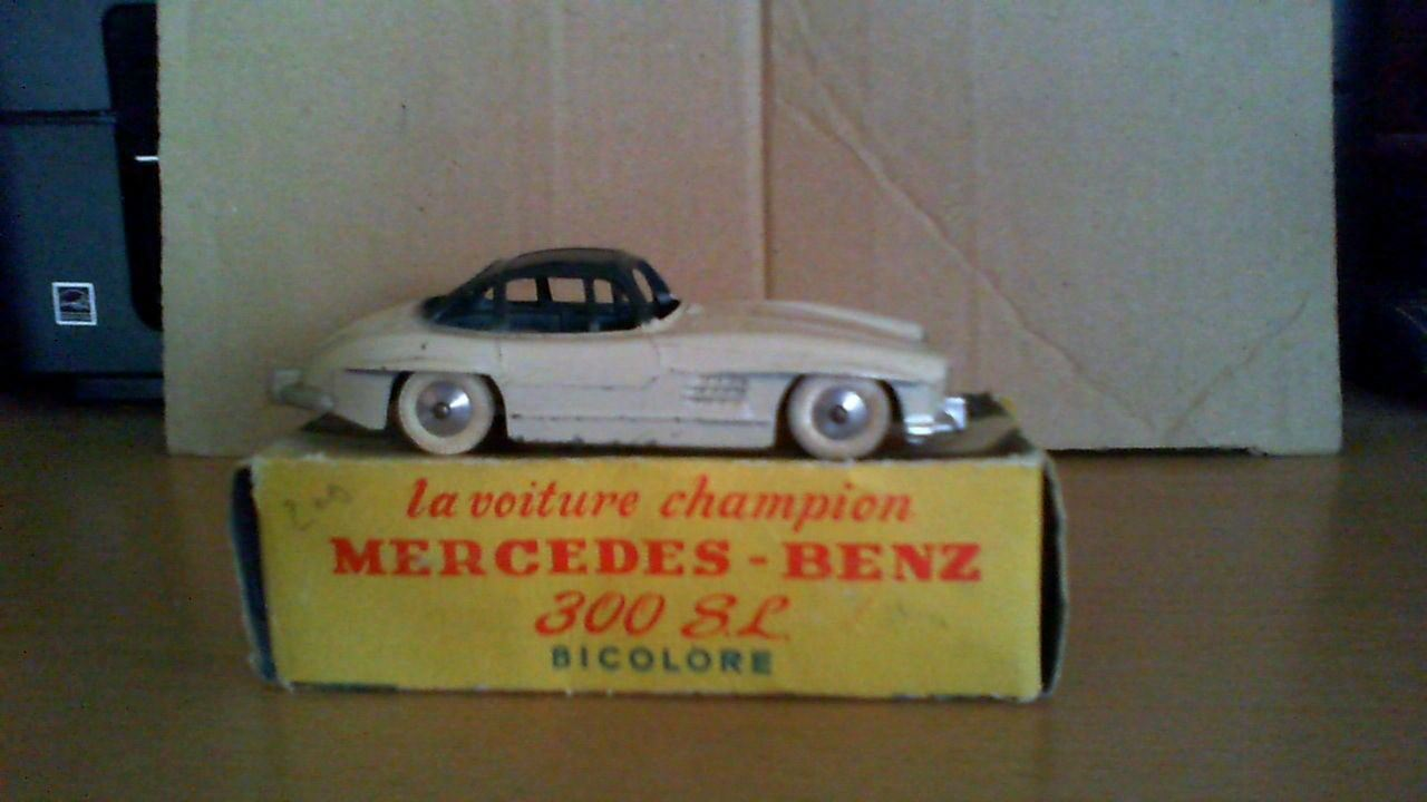 Sell voiture mercedes. Benz 300 sl quiralu  biCouleur brand 1 43 with box  Dans votre attente