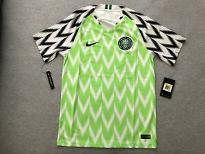 timeless design 9ae64 ecd8e Details about New Men's Nike Nigeria Home Football Jersey Sz Small S NWT  World Cup Kit Green