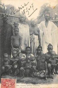 Guinee-n-100418-Conakry-ein-Gruppe-D-039-Eingeborenen