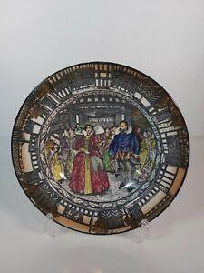 Royal-Doulton-034-Queen-Elizabeth-At-Old-Moreton-1589-034-Plate-7-5-034-19-5cm