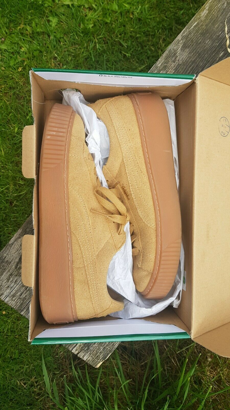 Puma Suede UK6 great condition. worn 3 times max