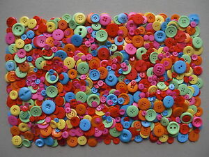 Bright-buttons-summer-colours-1-kilo-hundreds-of-buttons-mixed-colours-and-sizes