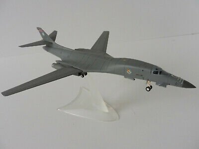 Herpa Wings U.S Air Force Rockwell B-1B Lancer 1:200 559263 DISCONTINUED