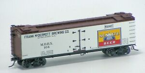 MTH-HO-Scale-R40-2-Wood-Side-Reefer-Senate-Beer