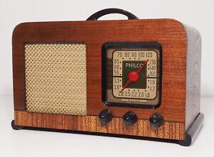Old Antique Wood Philco Vintage Tube Radio -Restored Working Art Deco Table Top
