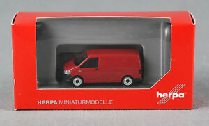 Herpa-028721-h0-1-87-VW-t6-station-wagon-kirschrot-MERCE-NUOVA
