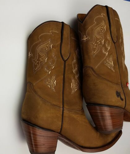 10 Bull Dariela Cowbow Dariela 10 Boots Big Cowbow 3 Quadrat Damen 3 Size Zehe Bull Boots Embroided Square Besticktes Größe Brown Women's Braun Toe Big twxqOHFq5