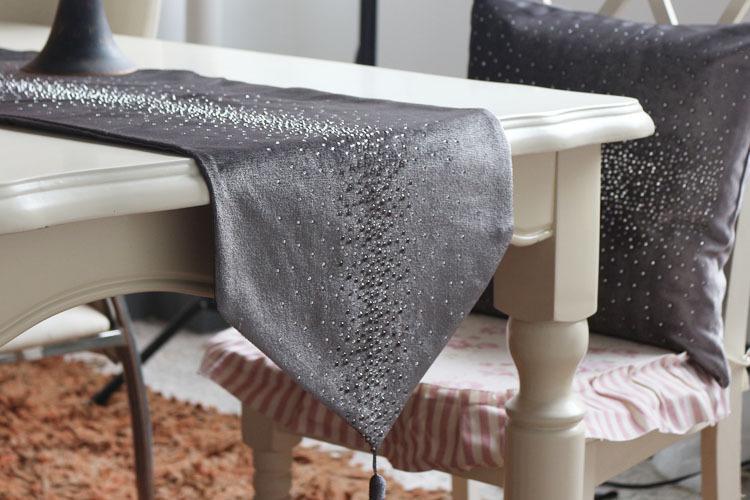 Glänzend Quaste Glitzer Bettläufer Bling Crystal Wohndeko Aufgereiht Tischläufer