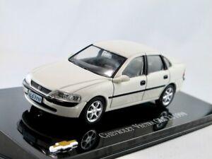 Chevrolet-Vectra-GLS-Opel-Vectra-B-1998-weiss-IXO-Altaya-1-43
