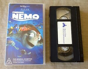 FINDING-NEMO-Walt-Disney-Classic-VHS-Kids-Video-Cassette-Movie-With-Dory
