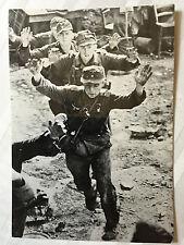 ww2 photo press  German prisoners taken by Allied forces in Italy 1944   120