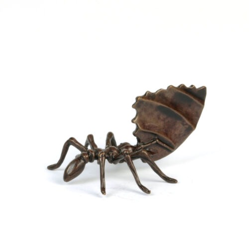 okimono leaf cutter ant collectable Solid bronze ant sculpture tokonoma art
