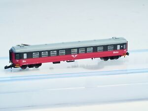 FR-Z-scale-SJ-Cinema-and-Bistro-passenger-car-2nd-class-Swedish-RR-New-Livery