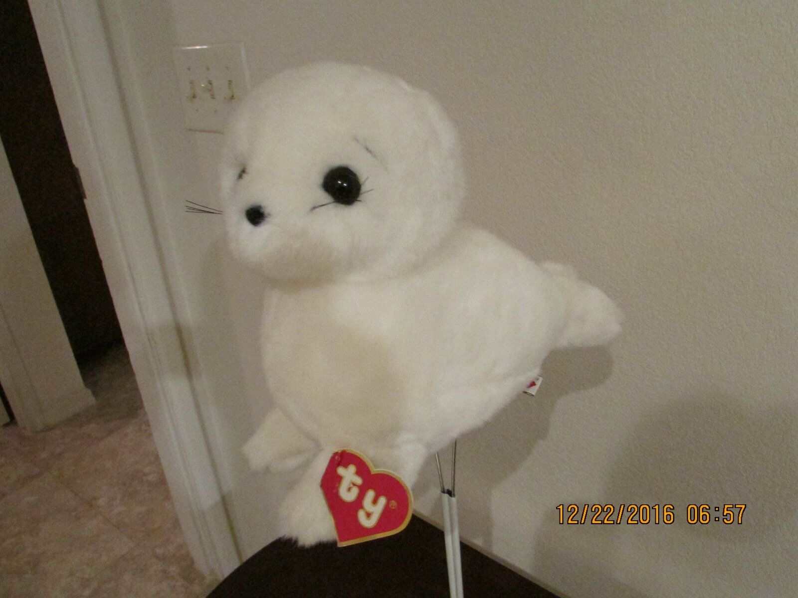 MISTY    -   TY CLASSIC  Stuffed Plush  SEAL     ( RARE   1990 )