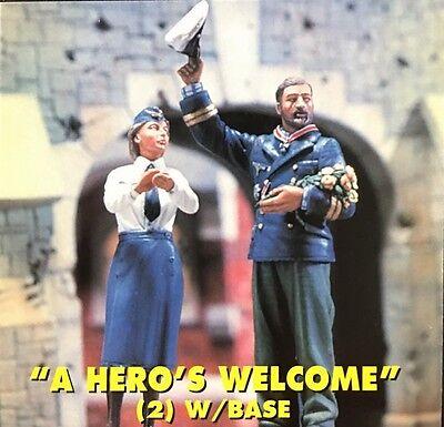 Jaguar Models 1/35 A Hero's Welcome (2 resin figures & Base) - 63063