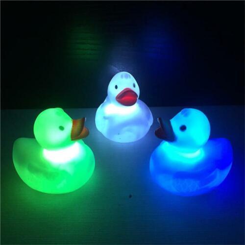 LED Blinklicht Gummi schwimmende Ente Badewanne Dusche Spielzeug für Kinder baby