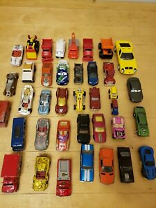 Lote-de-35-vehiculos-Matchbox-Maisto-Johnny-Lightning-Ect-Die-CAST-Coches-Lote-4