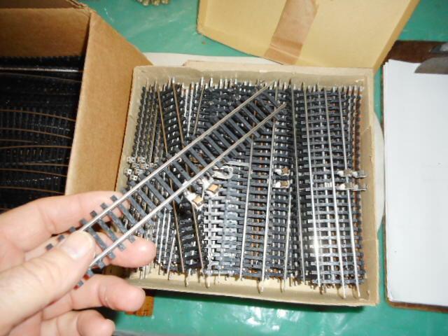 Pista HO Piko-Nuevo Nuevo En Caja - 16 rectas con conectores - 7' de largo cada made in RDA