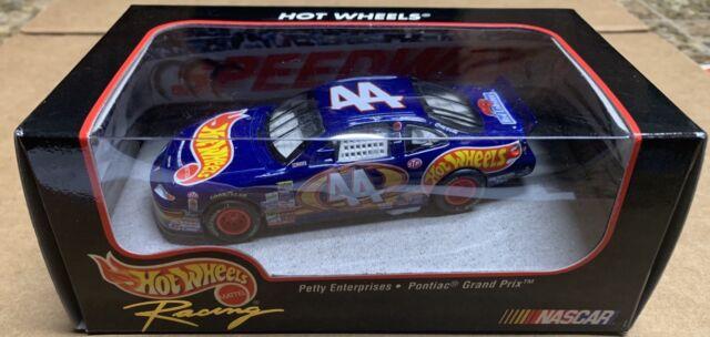 Hot Wheels: Racing Kyle Petty Enterprises #44 Pontiac Grand Prix Race Team 1:43