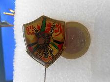 PLO - Palestine Liberation Organization ... old and large pin badge * Palestina