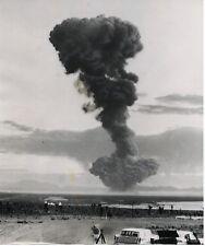 PHOTO DE PRESSE : ATOMIC BOMB EXPLOSION 1957 BOMBE ATOMIQUE OPERATION PLUMBBOB
