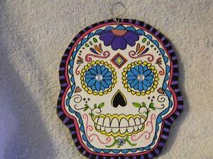 Small skull handmade embroidery