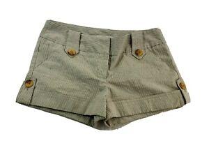 XOXO Womens Tan White Microstripe Mini Sailor Shorts Size 7/8 Wood Buttons