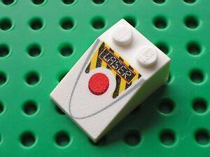 LEGO-Toy-Story-White-Slope-33-3x2-Red-Circle-LASER-Ref-3298-3298pb041-Set-7592