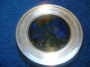 US-HIST-SOC-STAINED-GLASS-PEWTER-PLATE-STATUE-OF-LIBERTY-amp-SAINT-MARY-039-S