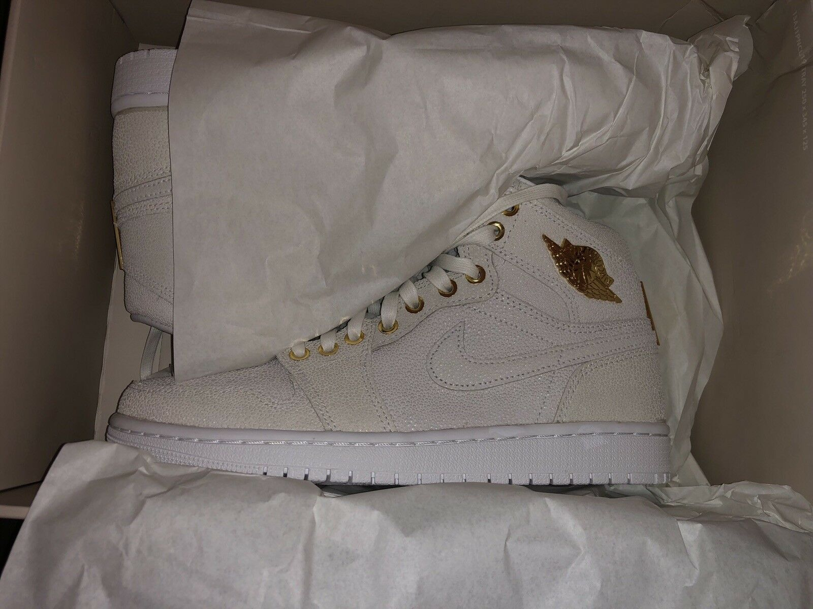 Nike Air Jordan 1 PINNACLE White gold gold gold Size 8 DS NEW bcbbee