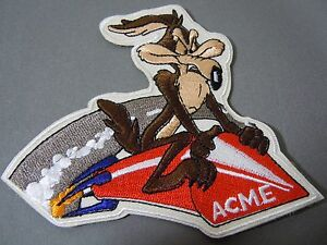 WILE-E-COYOTE-on-ACME-ROCKET-Embroidered-Iron-On-Patch-4-034-Looney-Tunes