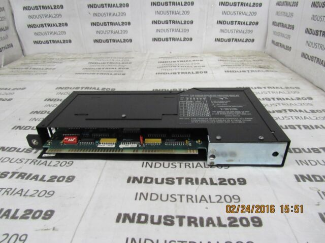 A USED HOM221 SQUARE D SY//MAX OUTPUT MODULE CLASS 8030 HOM-221 SER