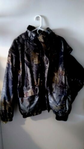 10X Hooded Realtree Hardwoods zip out sleeves lined Lg.Jacket, converts to vest