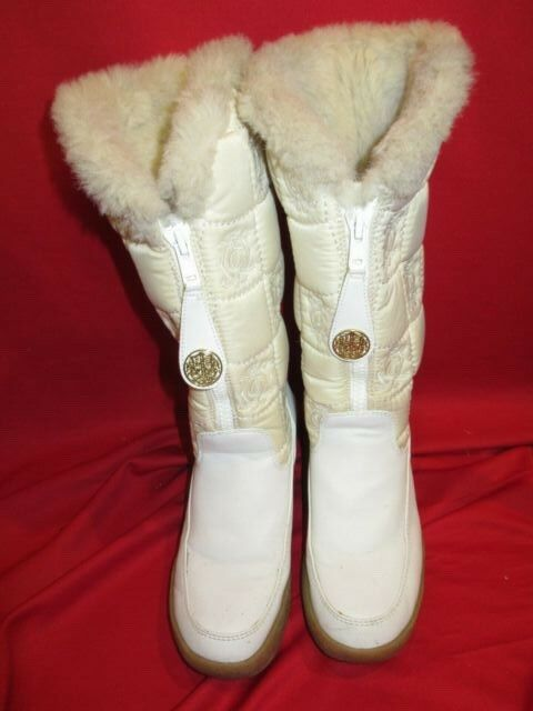 JUICY COUTURE White Logo Fleece Lined snow bunny Boots Sz 9 gold Logo medallions