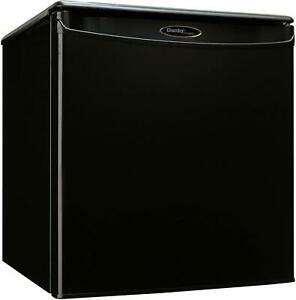Danby-1-7-Cubic-ft-All-Refrigerator-w-Auto-Defrost-Black
