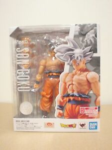 Dragon Ball Super S.H Figuarts Bandai Action Figure Son Goku Ultra Instinct 14