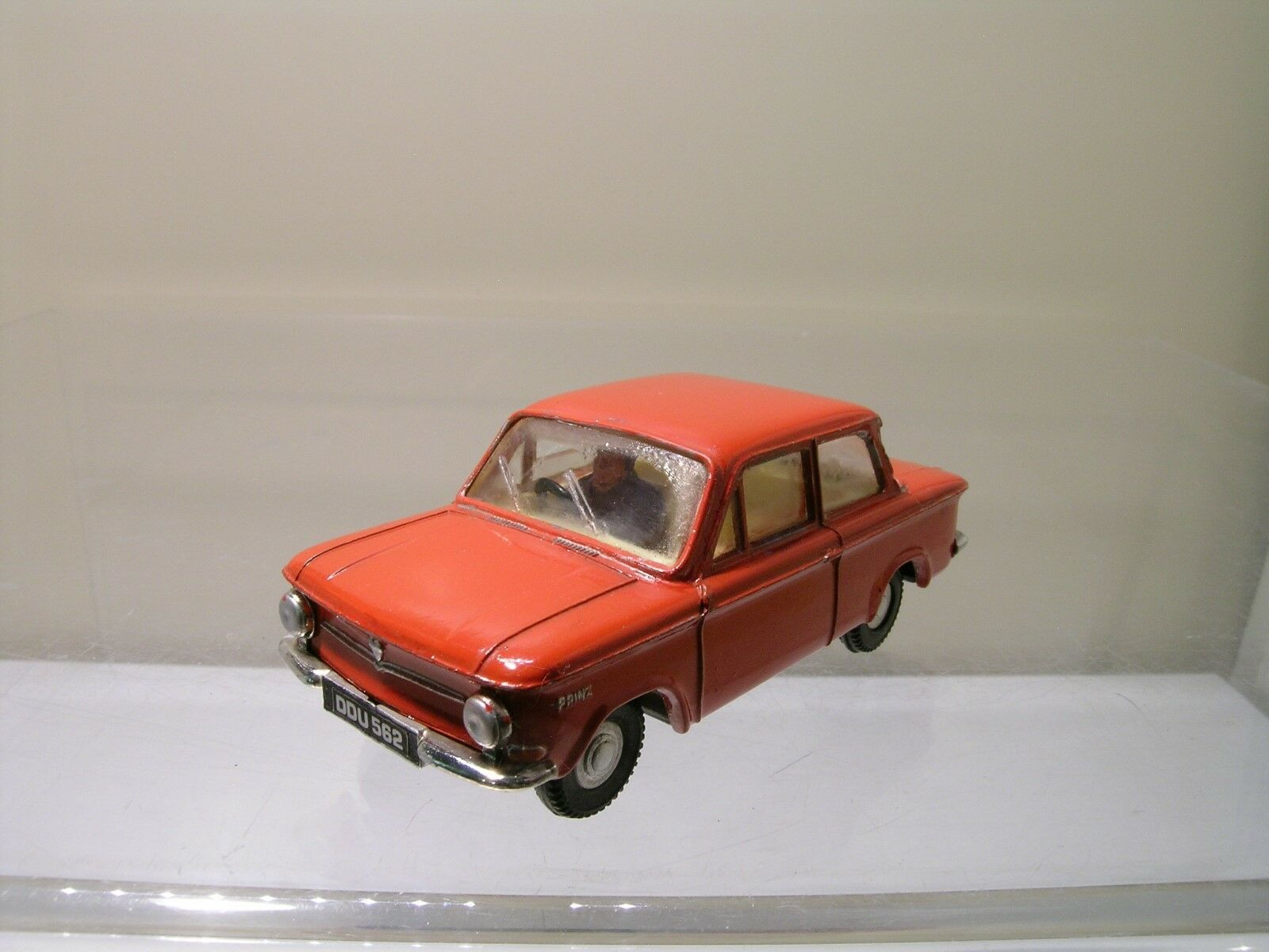 SPOT-ON    TRI-ANG No.193 1963 NSU PRINZ 4 RED SCALE 1 42 bfe8d8