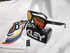 99a03cd768 Image is loading OAKLEY-SUNGLASSES-FROGSKINS-VALENTINO-ROSSI-PRIZM-OO9013-3-