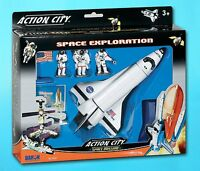 Daron Worldwide Trading Inc. Space Shuttle With Stand 3 Astronauts, American Fla