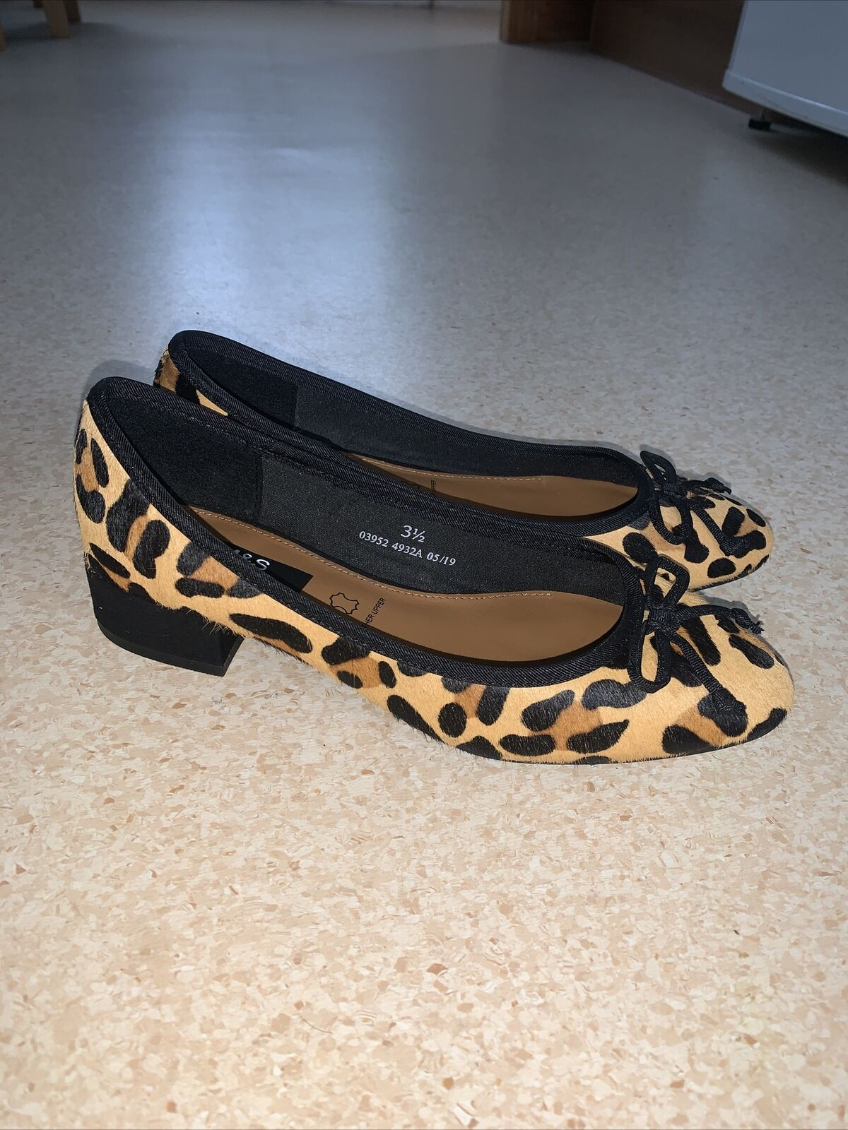 Womens New Leopard Print M&S Round Toe Bow Pumps With Heel - UK 3.5