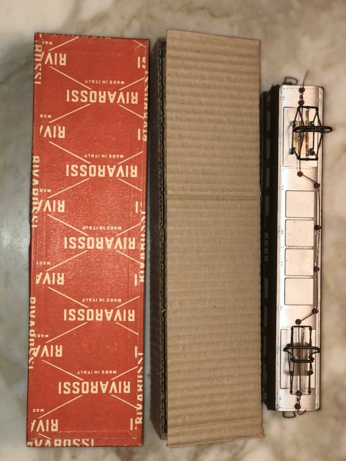 Rivarossi A 2002/R HO Scale Scale Scale FNM Powerosso Interurban Car/Box Rare Great Condition b95cca