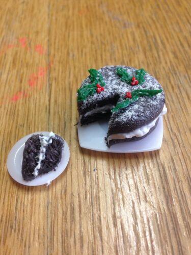 Dolls House Christmas Chocolate Cream Sponge Cake Miniature Food 12th 1//12 Scale
