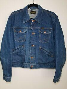 Vintage-70-s-Wrangler-Demin-Jean-Jacket-Size-L-44-Trucker-Medium-Wash-USA-Made