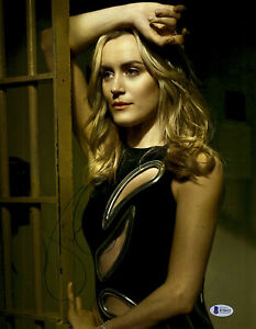 Taylor Schilling as Piper Chapman reprint signed
