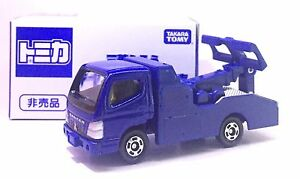 JAPAN-TOMY-TOMICA-MITSUBISHI-FUSO-CANTER-TOW-TRUCK-DIECAST-NOT-FOR-SALE-EDITION