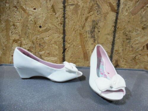 New Girls Youth Sonoma Girltalk Peep Toe Dress Shoes Style 169149 White 129G tr