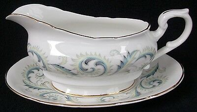 """Royal Standard Fine Bone China Garland Footed Cup /& Saucer Set 2 7//8/"""" Smoothfoot"""